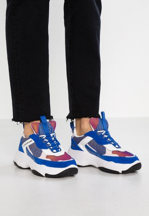 MAYA - Sneakers laag - nautical blue/chintz rose/white