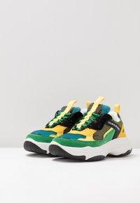 Calvin Klein Jeans - MAYA - Trainers - black/green/lemon - 4