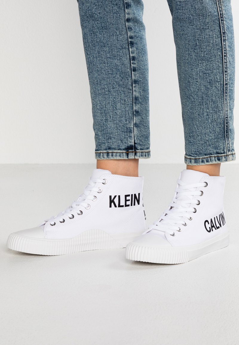 Calvin Klein Jeans - IOLE - Sneakers hoog - bright white