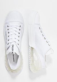 Calvin Klein Jeans - MYRTIE - Trainers - white - 3