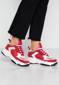 Calvin Klein Jeans - MAYA - Zapatillas - white/red - 0