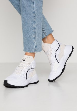 TRACEE - High-top trainers - white