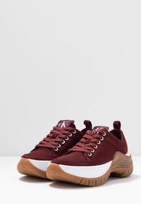 Calvin Klein Jeans - TISHA - Sneakers laag - beet red - 4