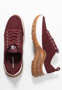 Calvin Klein Jeans - TISHA - Sneakers laag - beet red - 3
