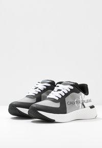 Calvin Klein Jeans - AMEDEA - Sneakers laag - black/white - 4
