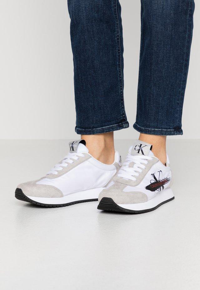 JEENEY - Sneakers - white