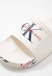 Calvin Klein Jeans - CATILYN - Badslippers - white - 2