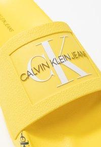 Calvin Klein Jeans - CATILYN - Sandály do bazénu - blazing yellow - 2