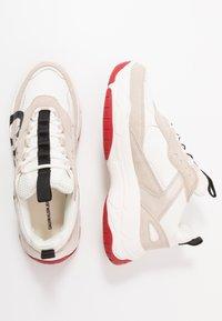 Calvin Klein Jeans - MARLEEN - Sneakers laag - bright white/stone - 3