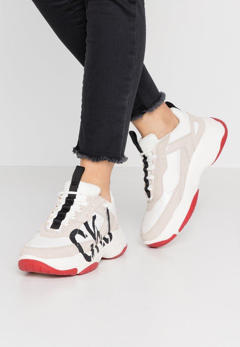 Calvin Klein Jeans - MARLEEN - Sneakers laag - bright white/stone