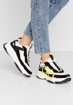 MARLEEN - Zapatillas - bright white/black