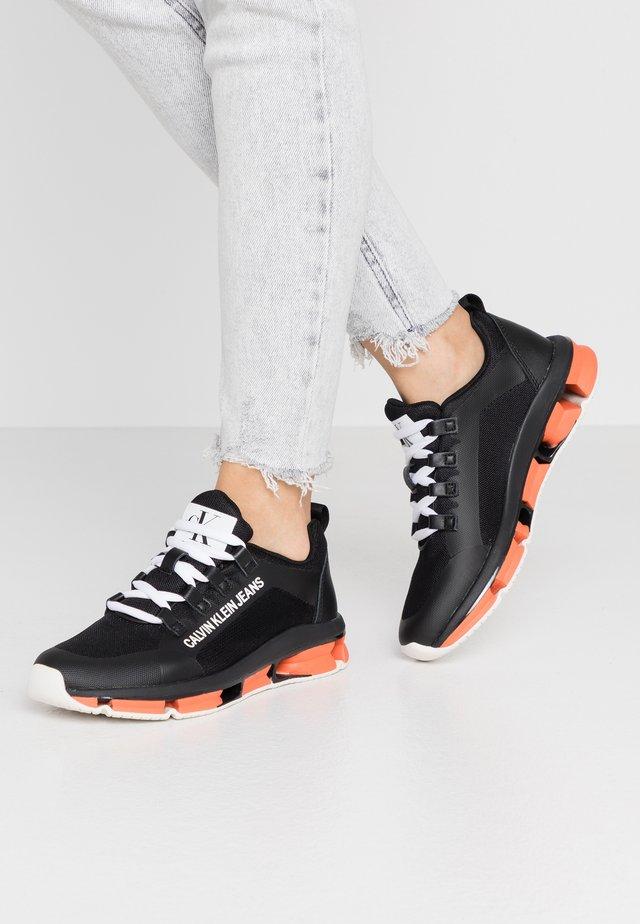 LOLAS - Sneakers laag - black