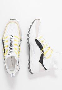 Calvin Klein Jeans - TIMOTEA - Zapatillas altas - white/black - 3