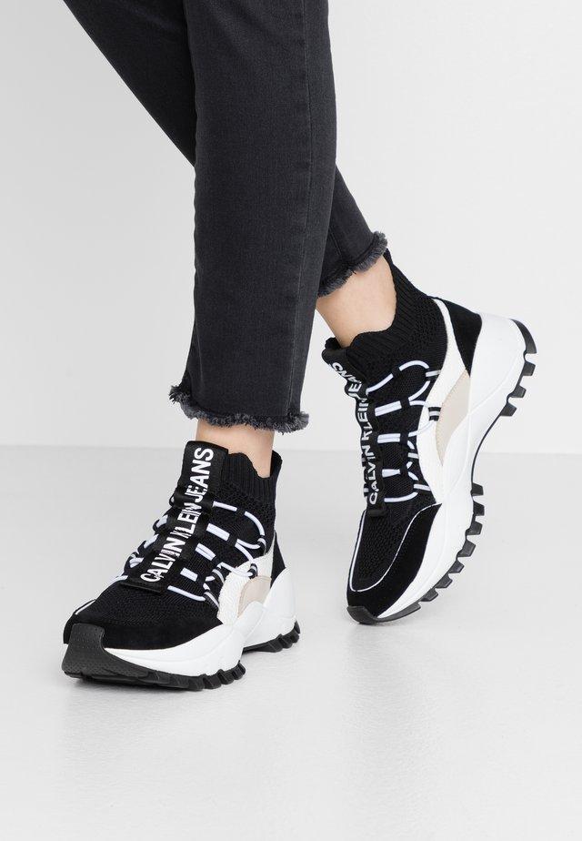 TIMOTEA - Höga sneakers - black/stone