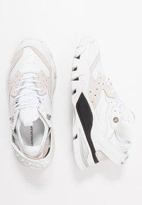 Calvin Klein Jeans - CLARICE - Zapatillas - white - 3