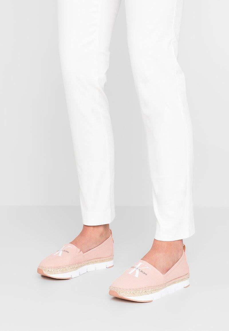 Calvin Klein Jeans - GENNA - Espadrillot - dusk