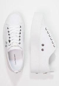 Calvin Klein Jeans - ZOLAH - Trainers - white - 2