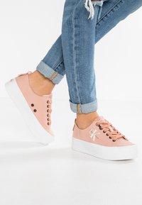 Calvin Klein Jeans - ZOLAH - Trainers - dusk - 0