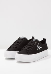 Calvin Klein Jeans - ZOLAH - Sneakersy niskie - black - 3
