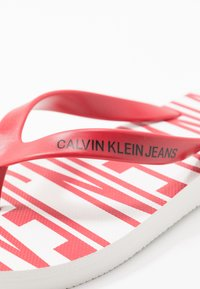 Calvin Klein Jeans - ENRICO - Pool shoes - white/racing red - 5