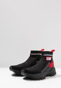 Calvin Klein Jeans - TRAY - Vysoké tenisky - black/tomato - 2