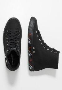 Calvin Klein Jeans - ASTON - Korkeavartiset tennarit - black - 1