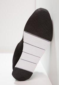 Calvin Klein Jeans - JADO - Matalavartiset tennarit - black - 4