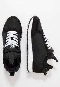 Calvin Klein Jeans - JEMMY - Sneakers laag - black - 1