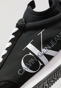 Calvin Klein Jeans - JEMMY - Sneakers laag - black - 5