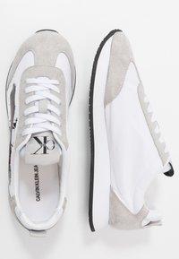 Calvin Klein Jeans - JOAM - Sneakersy niskie - white - 1