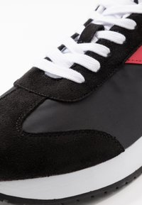 Calvin Klein Jeans - JERROLD - Trainers - black/racing red - 5