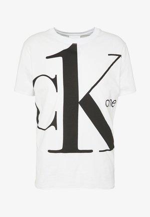 CK ONE BIG LOGO REGULAR  TEE - T-shirts med print - bright white