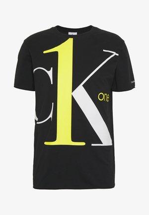CK ONE BIG LOGO REGULAR  TEE - Print T-shirt - black beauty