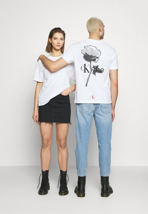 CK ONE ROSE LOGO RELAXED  TEE - T-Shirt print - bright white