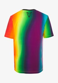 Calvin Klein Jeans - ALLOVER BLUR ELONGATED TEE UNISEX PRIDE - T-shirt con stampa - rainbow blur - 1