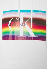 Calvin Klein Jeans - BIG FLAG REGULAR SLS HOODIE UNISEX - Top - bright white - 2