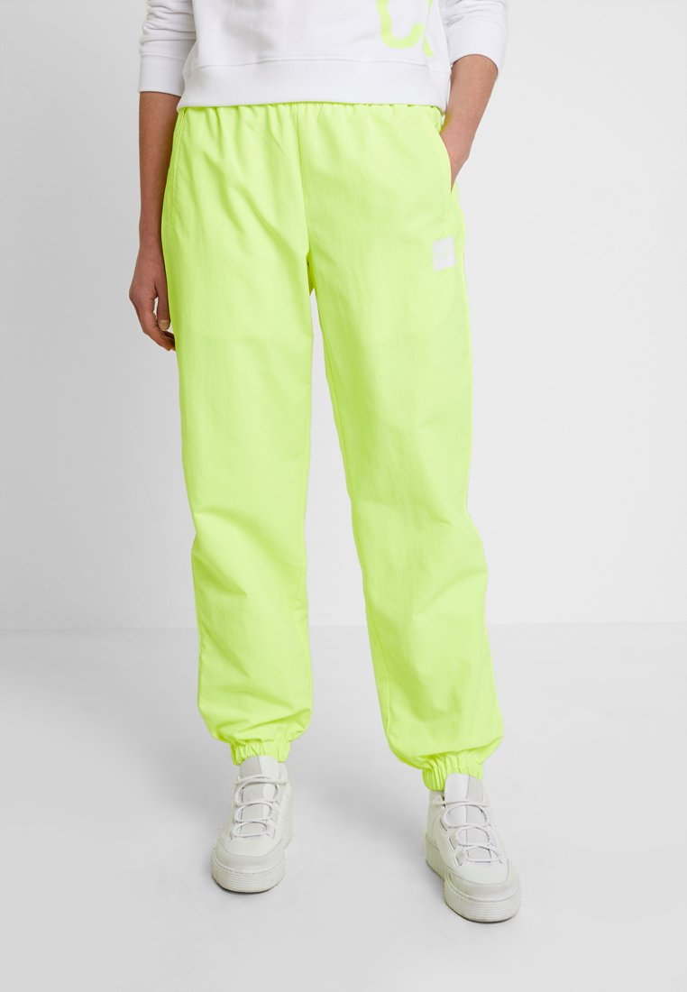 Calvin Klein Jeans - TRACK PANT - Joggebukse - safety yellow