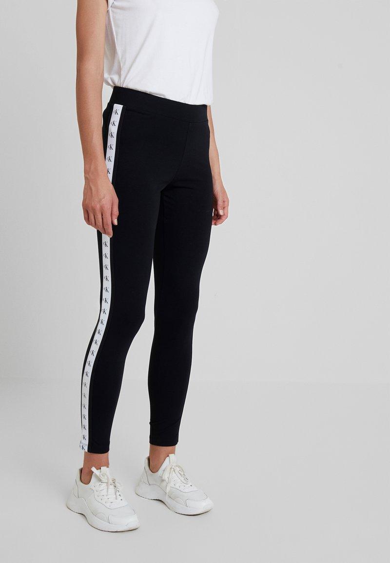 Calvin Klein Jeans - MONOGRAM TAPE MILANO - Leggings - ck black/ bright white