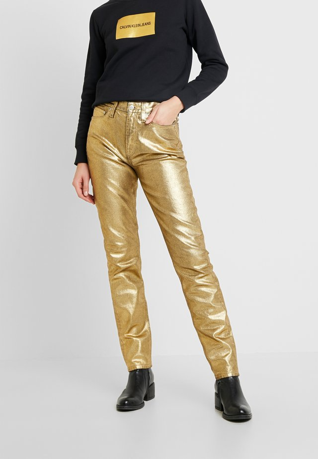HIGH RISE SLIM - Jeansy Slim Fit - metallic gold