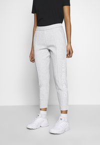 Calvin Klein Jeans - INSTITUTIONAL PANT - Tracksuit bottoms - light grey heather - 0