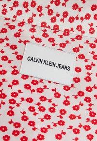 Calvin Klein Jeans - DRAPEY MIDI SKIRT - Falda acampanada - racing red - 5