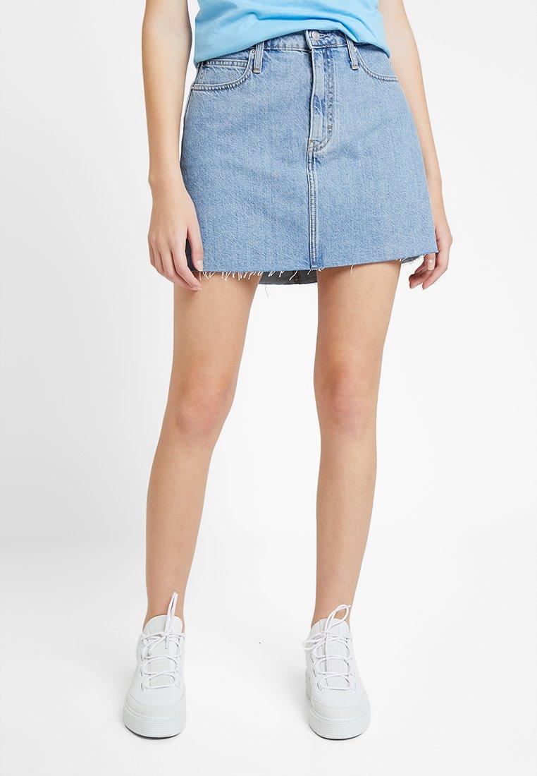 Calvin Klein Jeans - MID RISE SKIRT - Jeansrock - light stone