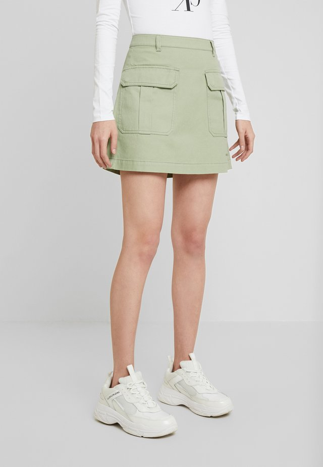 UTILITY MINI SKIRT - Jupe trapèze - earth sage