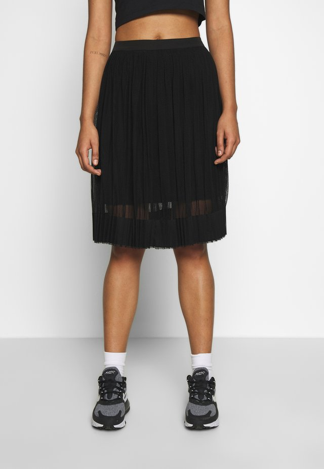PLEATED SKIRT - Áčková sukně - black