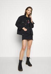 Calvin Klein Jeans - CK ONE HIGH RISE MINI SKIRT - Farkkuhame - black stone - 1