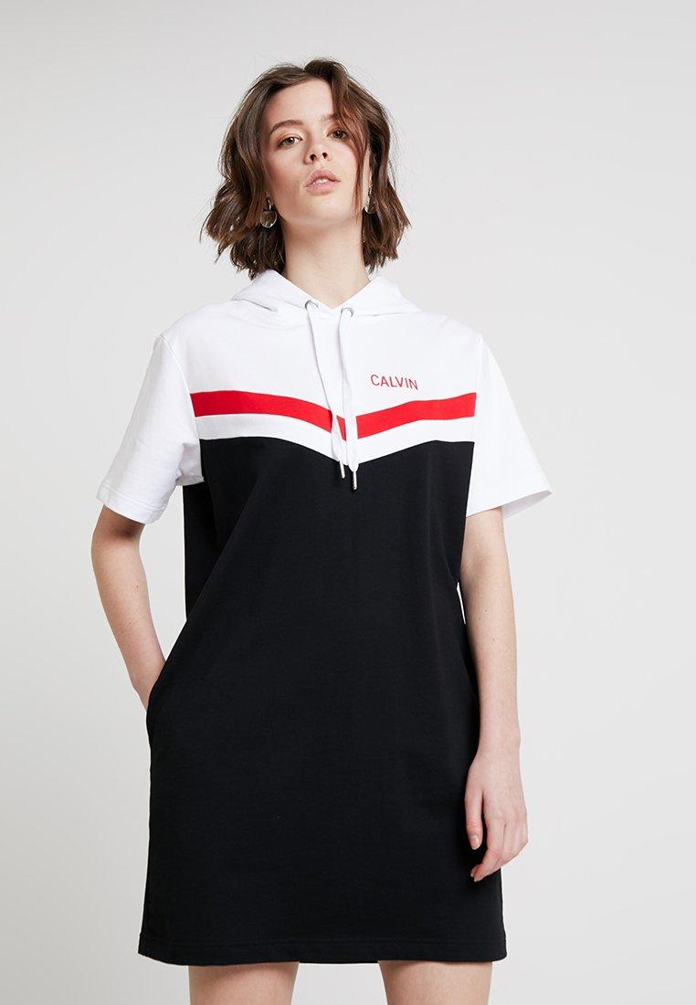 Calvin Klein Jeans - CHEERLEADER COLOR BLOCK HOOD - Day dress - ck black/white/red