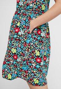 Calvin Klein Jeans - SLEEVELESS FLORAL DRESS - Robe d'été - multi-coloured - 6