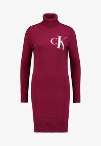 Calvin Klein Jeans - MONOGRAM SWEATER DRESS - Robe d'été - beet red - 4