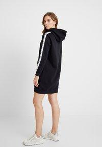Calvin Klein Jeans - HOODED MONOGRAM TAPE DRESS - Vestido informal - ck black - 3