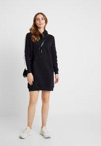 Calvin Klein Jeans - HOODED MONOGRAM TAPE DRESS - Vestido informal - ck black - 2